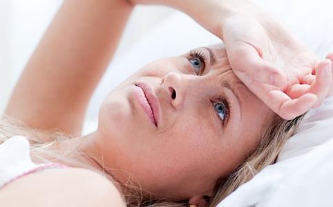 Cólicas menstruais: Saiba as causas e como aliviar a dor