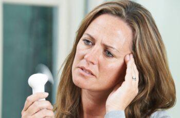 A progesterona é crítica durante a menopausa, descubra por quê